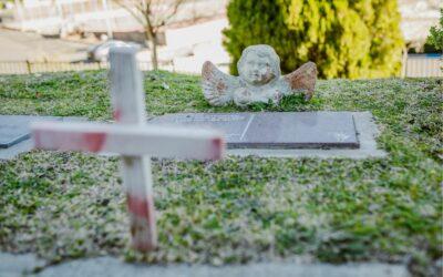 Czy zasiłek pogrzebowy przysługuje osobie, która odrzuciła spadek?